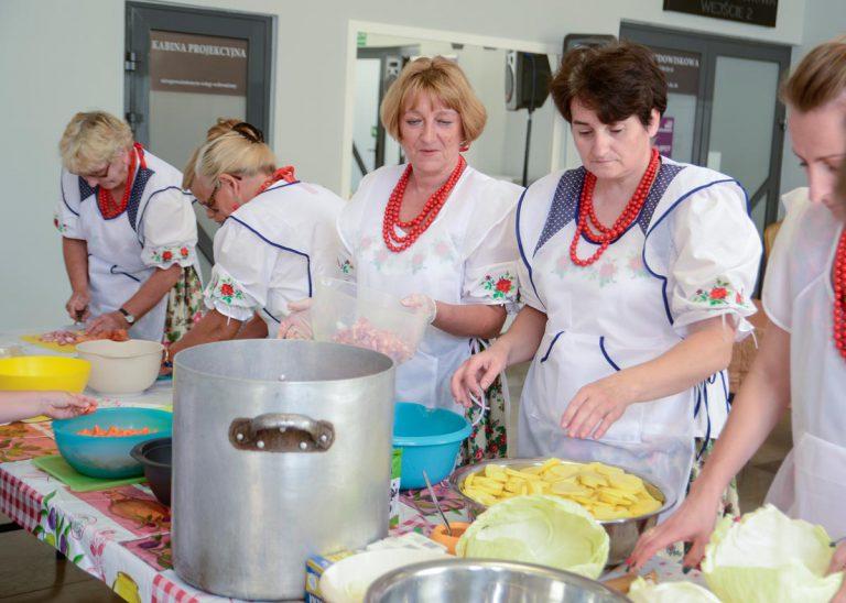 Kulinaria – wspólne gotowanie z KGW, Andrzejem Adamczykiem i Piotrem Ćwikiem!