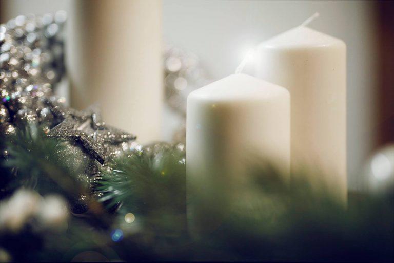 Wesołych Świąt Bożego Narodzenia życzy Dyrektor i pracownicy Domu Kultury w Wolbromiu.