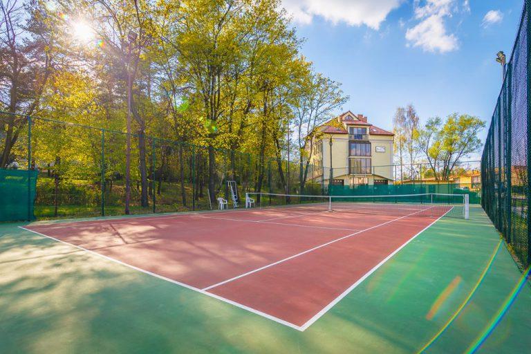 Korty do tenisa i padla: zmiana miejsca rezerwacji kortów i odbioru kluczy!